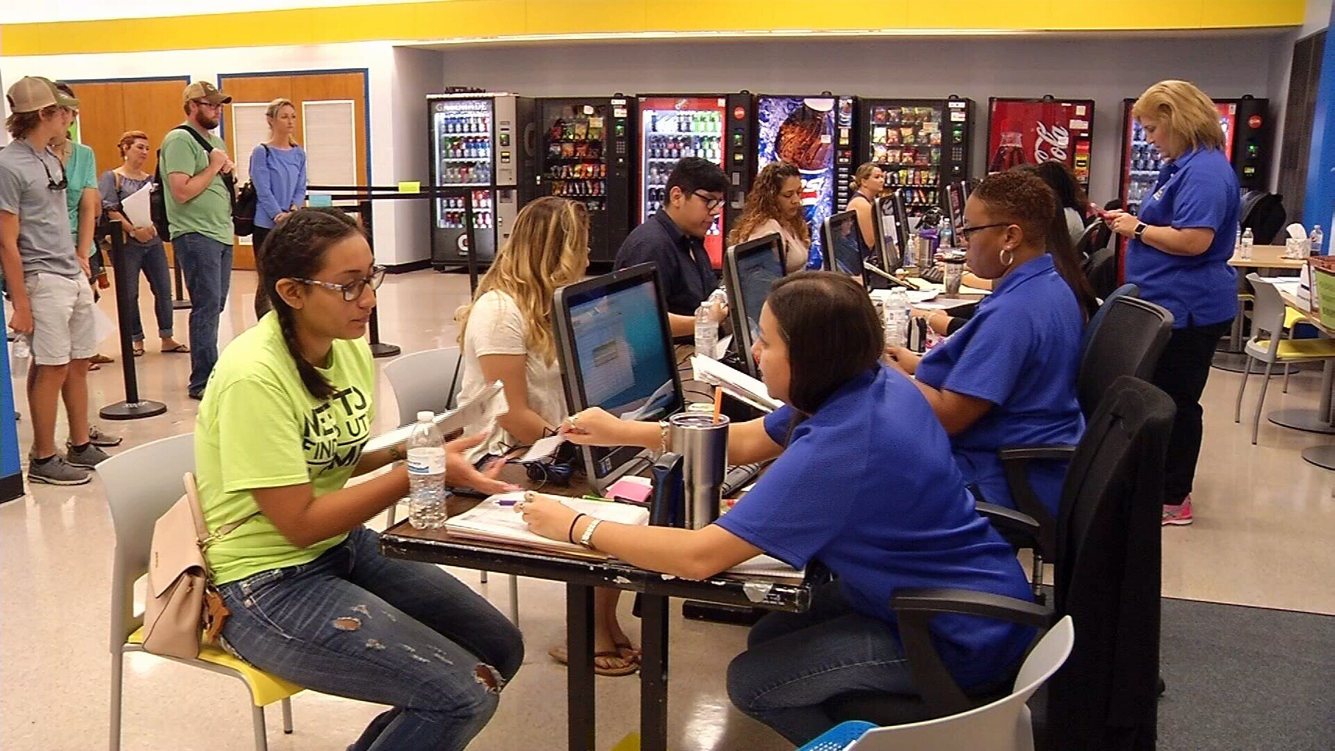 FILE PHOTO: Del Mar College students working to get registered for the fall semester. Date: Aug. 23, 2016 (KRIS)