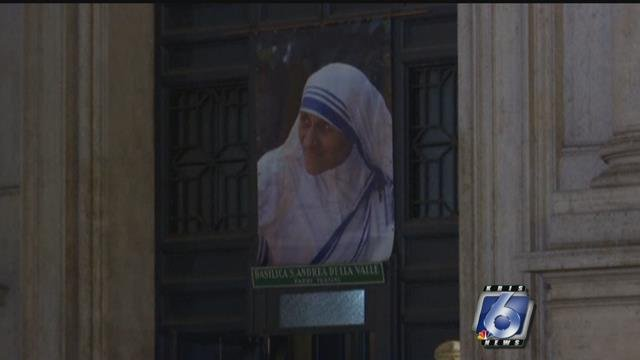 Pope Francis proclaims Mother Teresa a saint