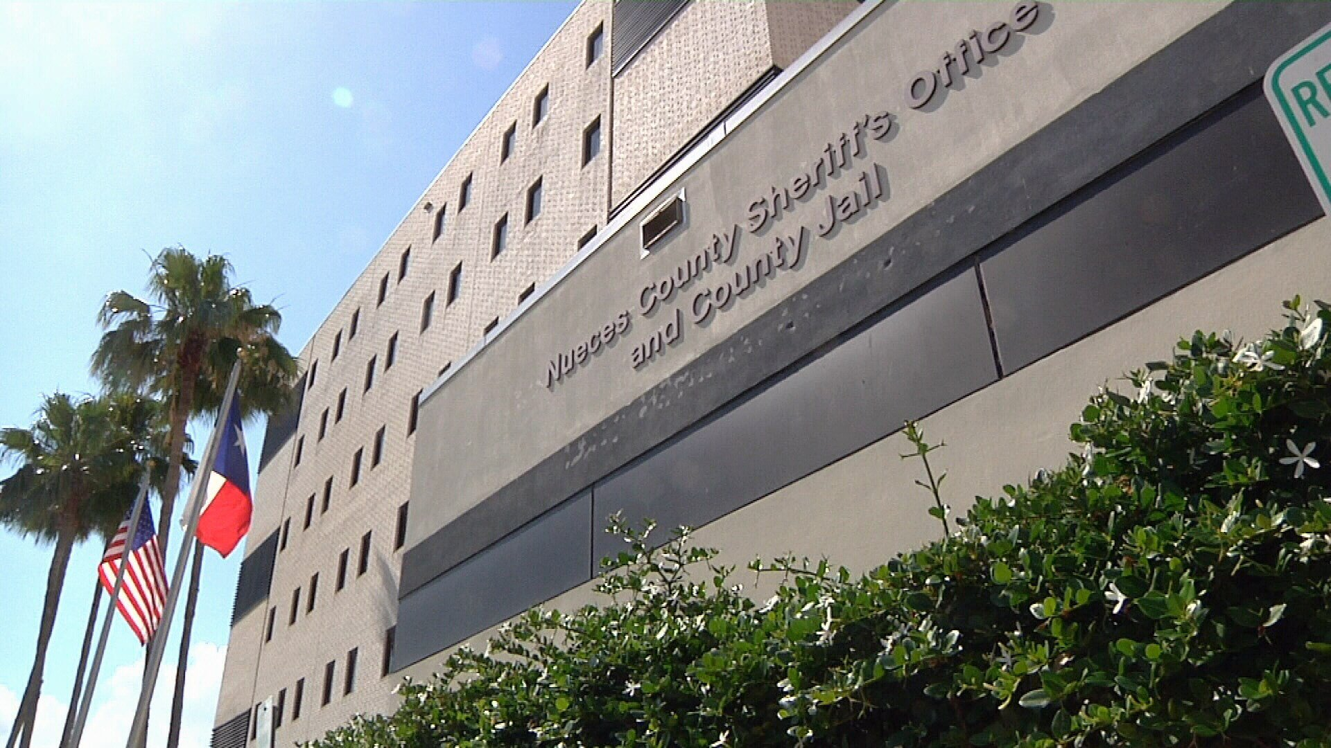 Federal inmates are moving out of the Nueces County jail after state inspectors found inmates were staying in holding cells far too long.