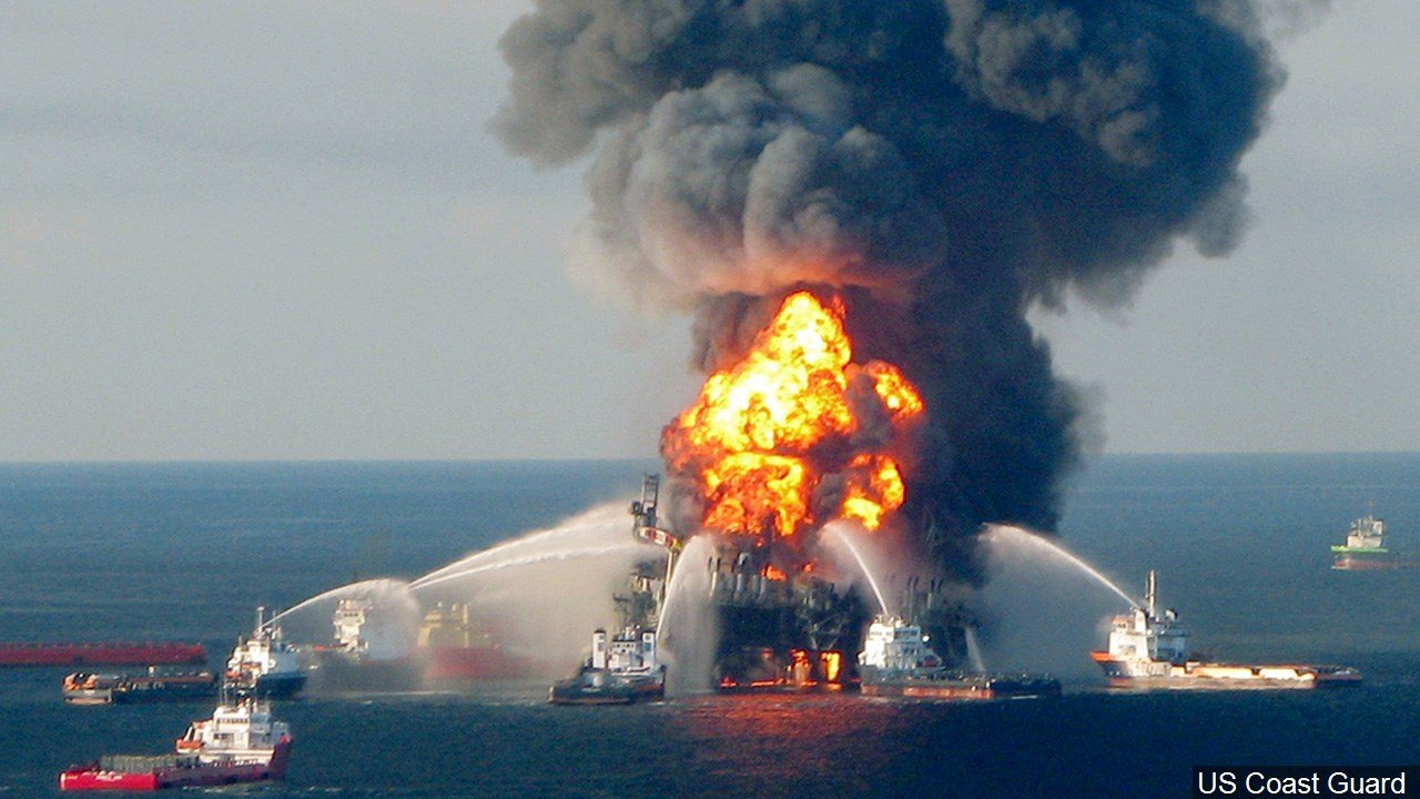 PHOTO: Deepwater Horizon oil spill (BP oil spill) off the Gulf of Mexico.