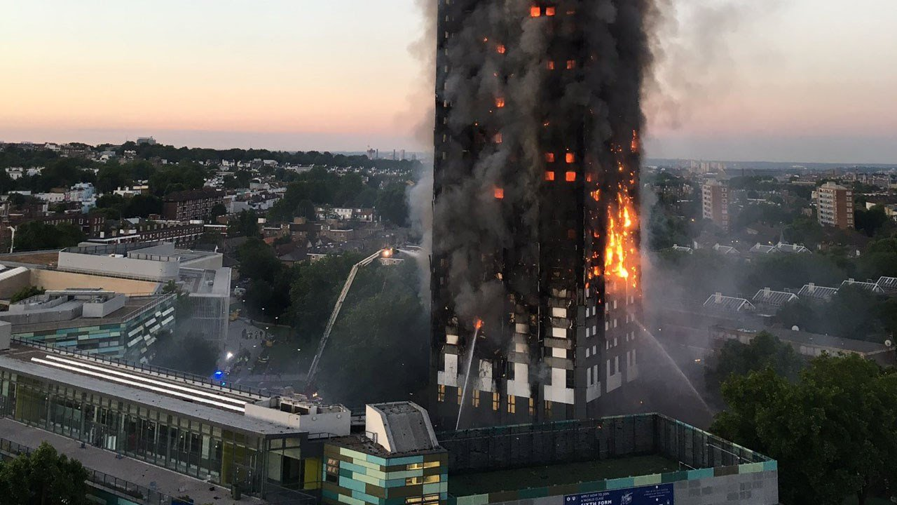 London police raised the confirmed or presumed death toll to 58 following a major fire at a London's Grenfell Tower. Photo: @Natalie Oxford / Twitter
