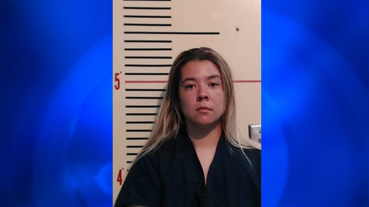 Authorities: Texas mom left 2 kids in hot car as punishment