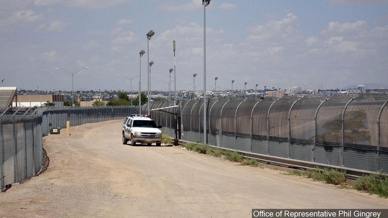 PHOTO: The U.S. Mexico border fence near El Paso Texas.