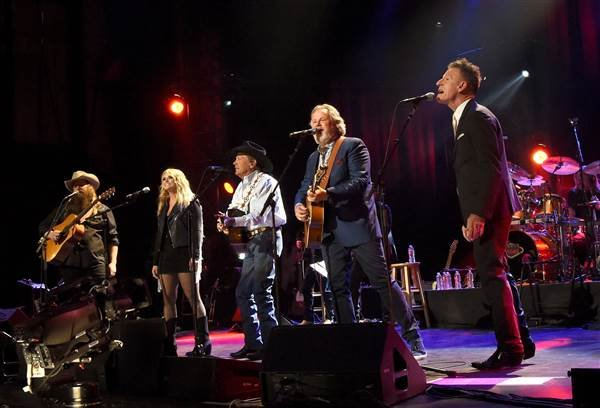 (L-R) Chris Stapleton, Miranda Lambert, George Strait, Lyle Lovett and Robert Early Keen perform onstage during George Strait's Hand in Hand Texas benefit concert at the Majestic Theatre on September 12, 2017