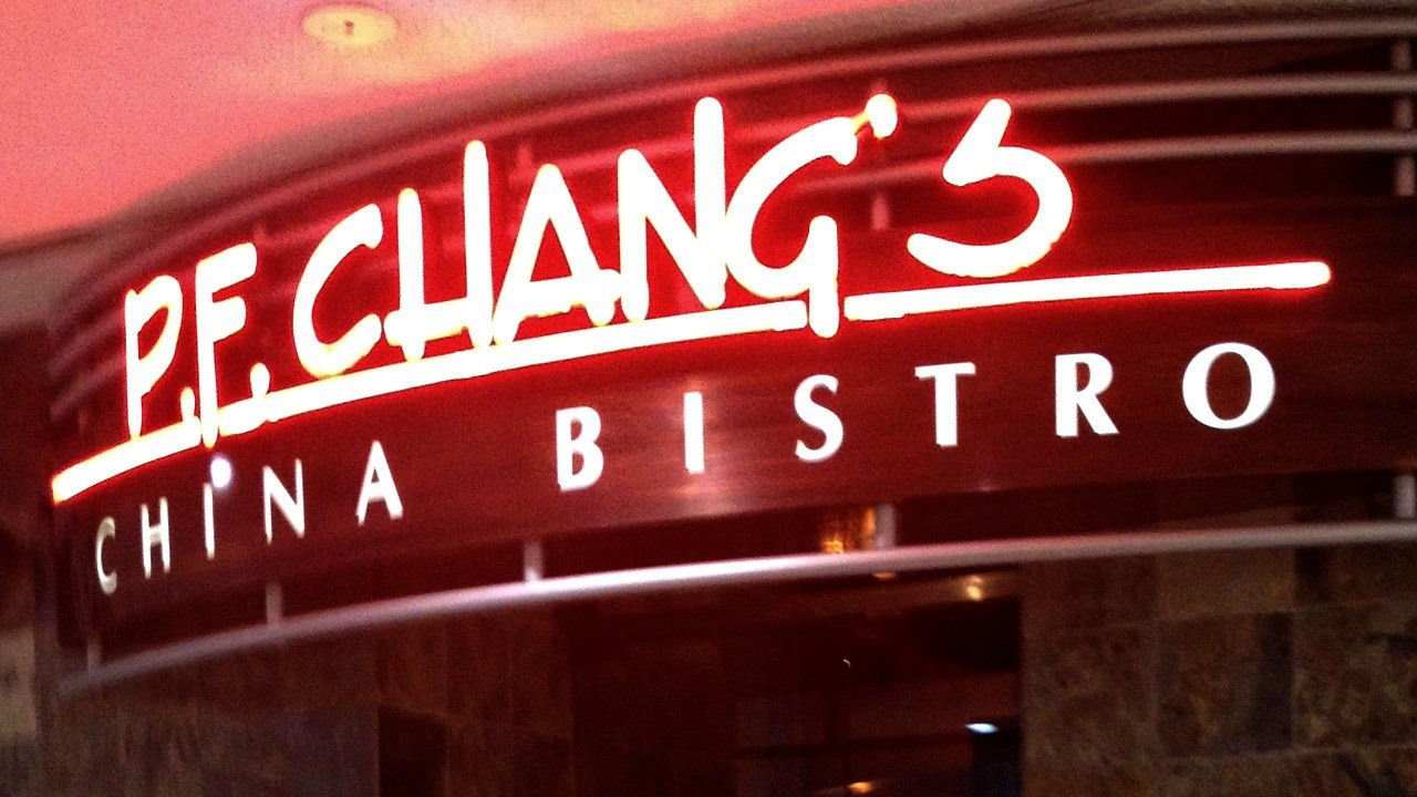 PHOTO: P.F. Chang's restaurant sign, Photo Date: June 2012 (Cropped Photo: Flickr / Mike Kalasnik / CC BY 2.0 )