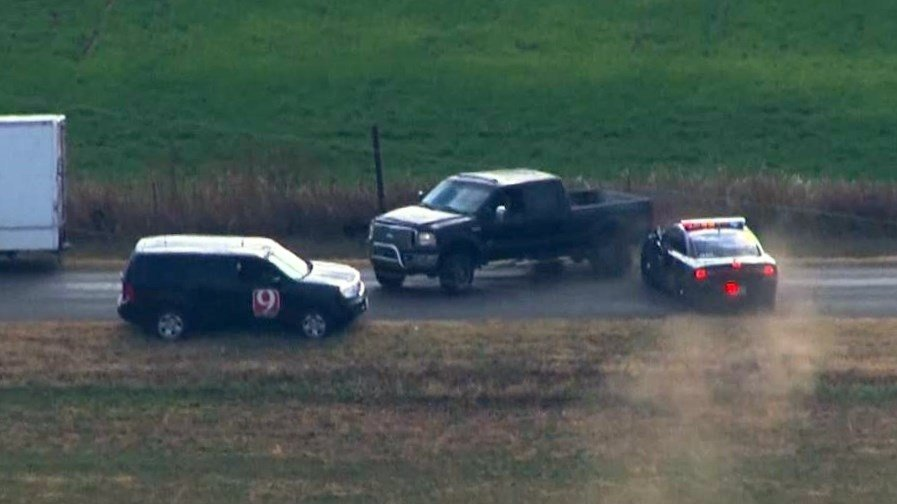 A wild west chase left a car thief and police kicking up dust in Oklahoma. (NBC)