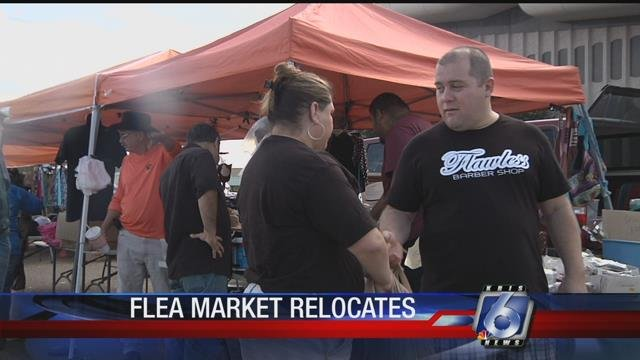 Local merchants gather on Saturdays and Sundays for the weekly flea market.