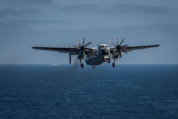 C-2 A Greyhound / US Navy photo MC3 Alex Corona