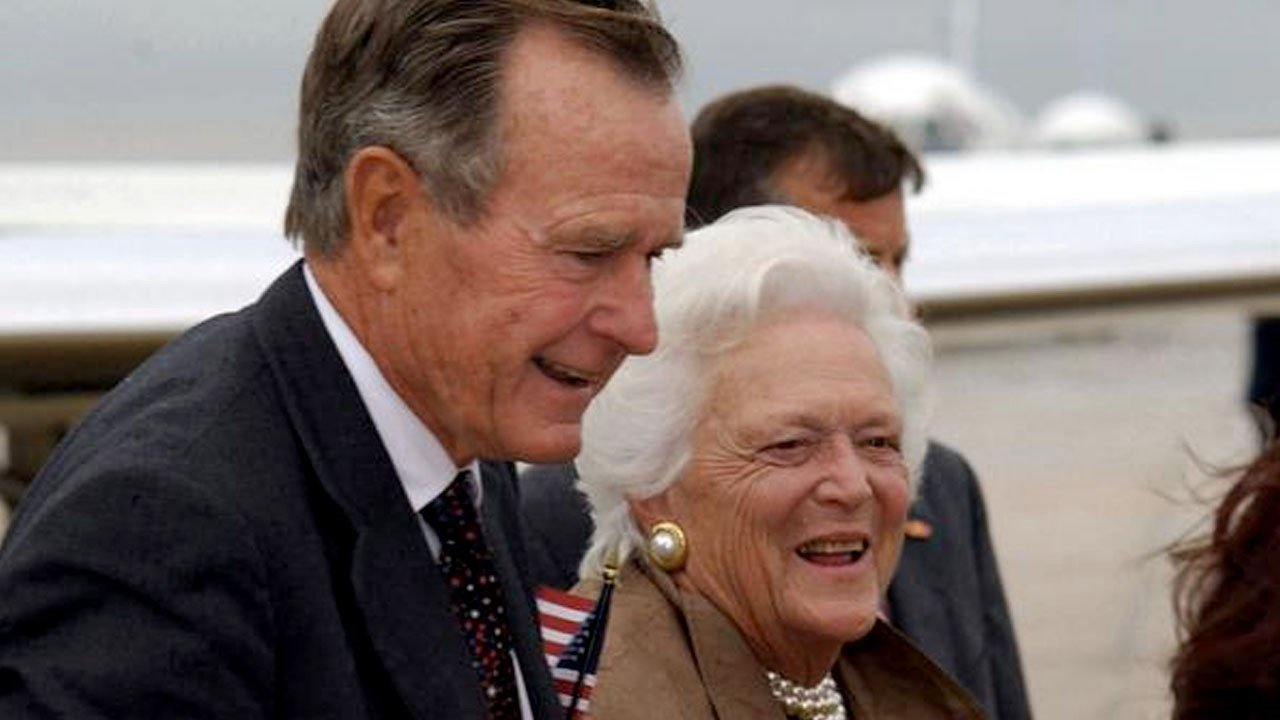 Bush Senior becomes longest living president in U.S. history