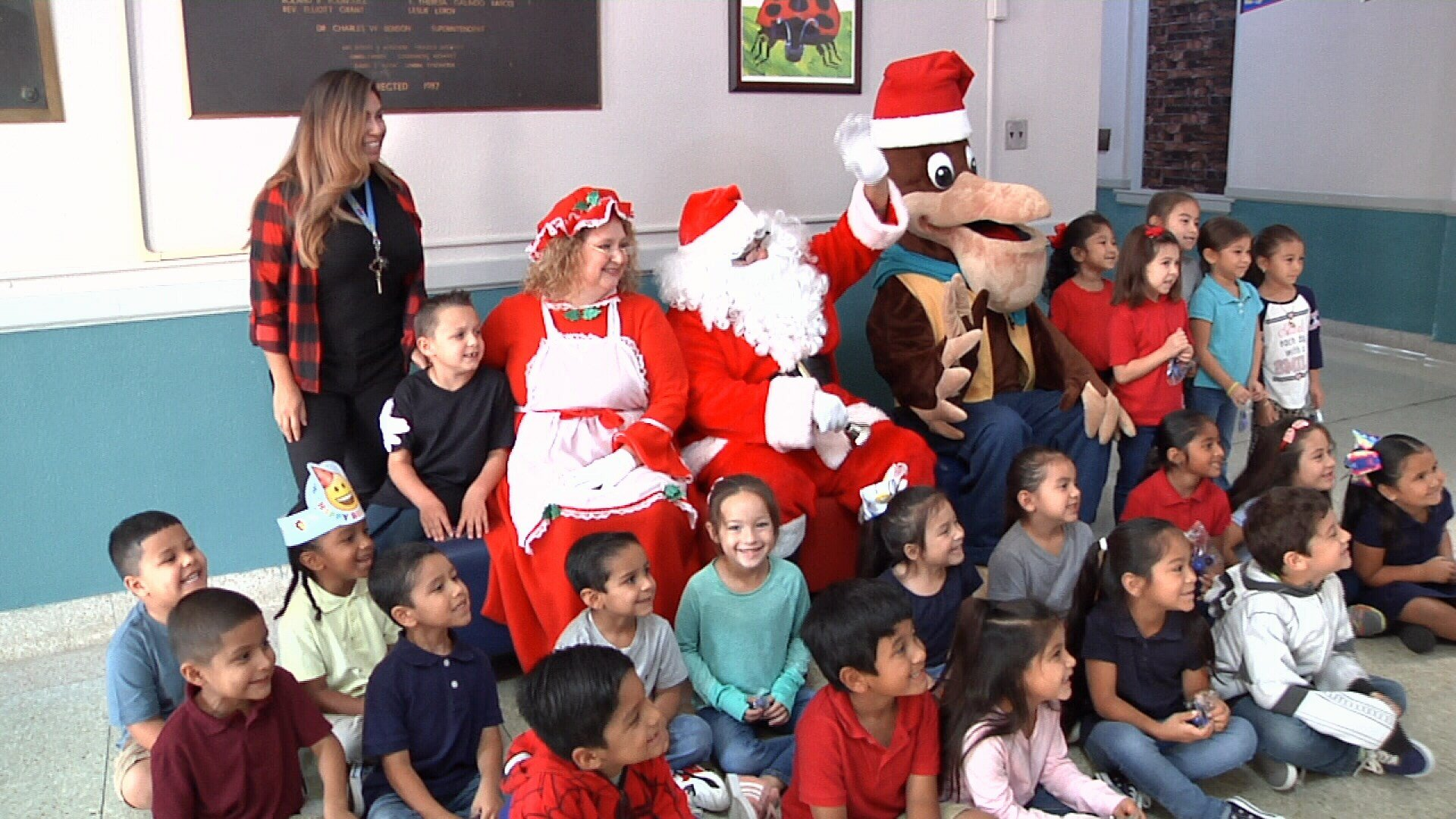 The Port of Corpus Christi hosted a Christmas celebration at Menger Elementary Tuesday morning.