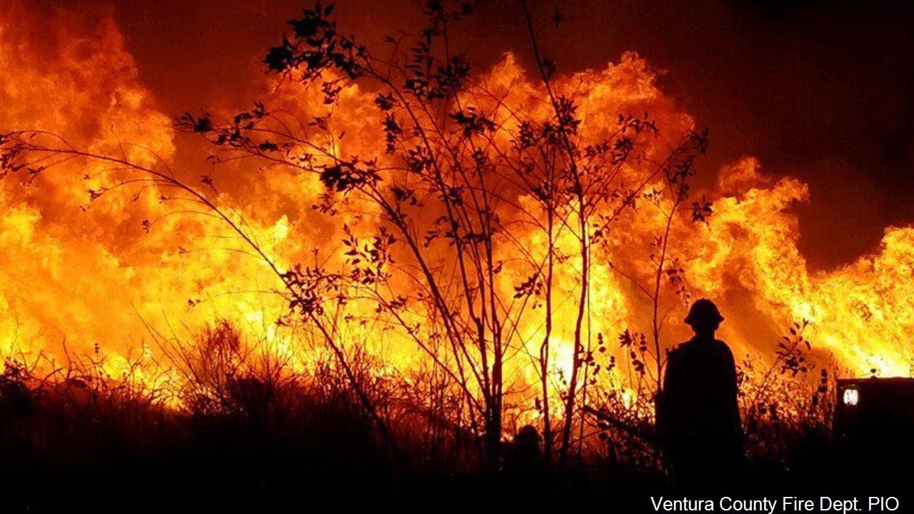 PHOTO: Thomas Fire in Ventura County, California, Photo Date: 12/7/2017