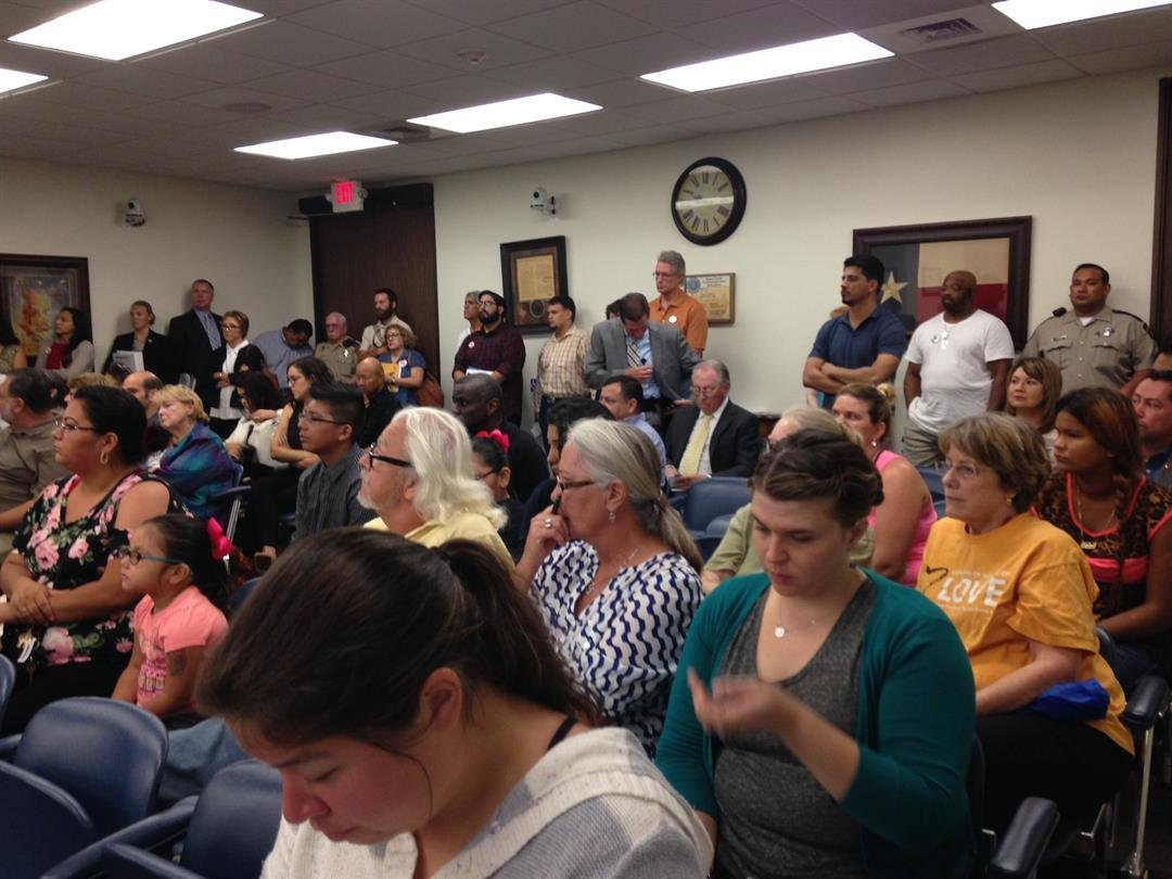 A full courtroom for the August 9 discussion on Senate Bill 4.