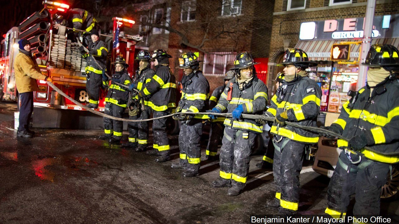 PHOTO: 160 fire-fighters respond to a 4 alarm fire in the Bronx. At least 12 people have been killed, Photo Date: 12/28/17