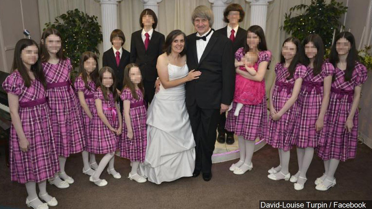 PHOTO: David and Louise Turpin with the children at one of the couple's vow renewals, Photo Date: 7/10/16