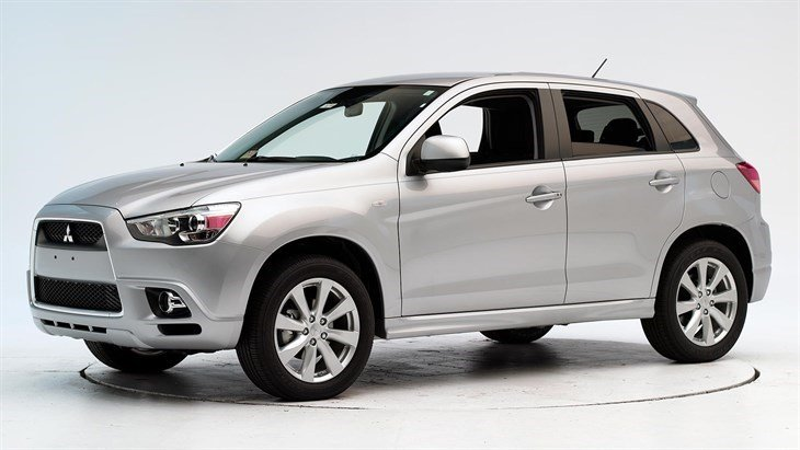 Photo: 2012 Outlander Sport. (Insurance Institute for Highway Safety)