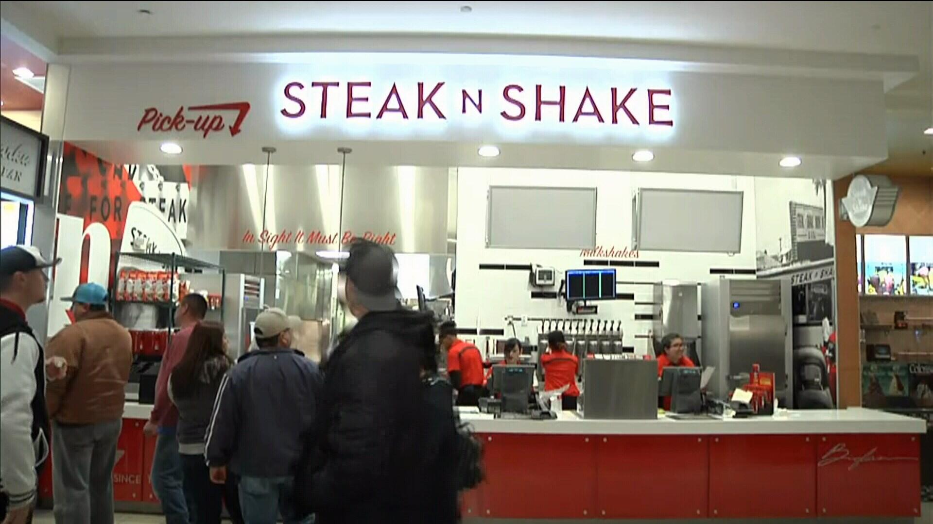 Steak N' Shake is preparing to open at La Palmera's food court on Saturday.