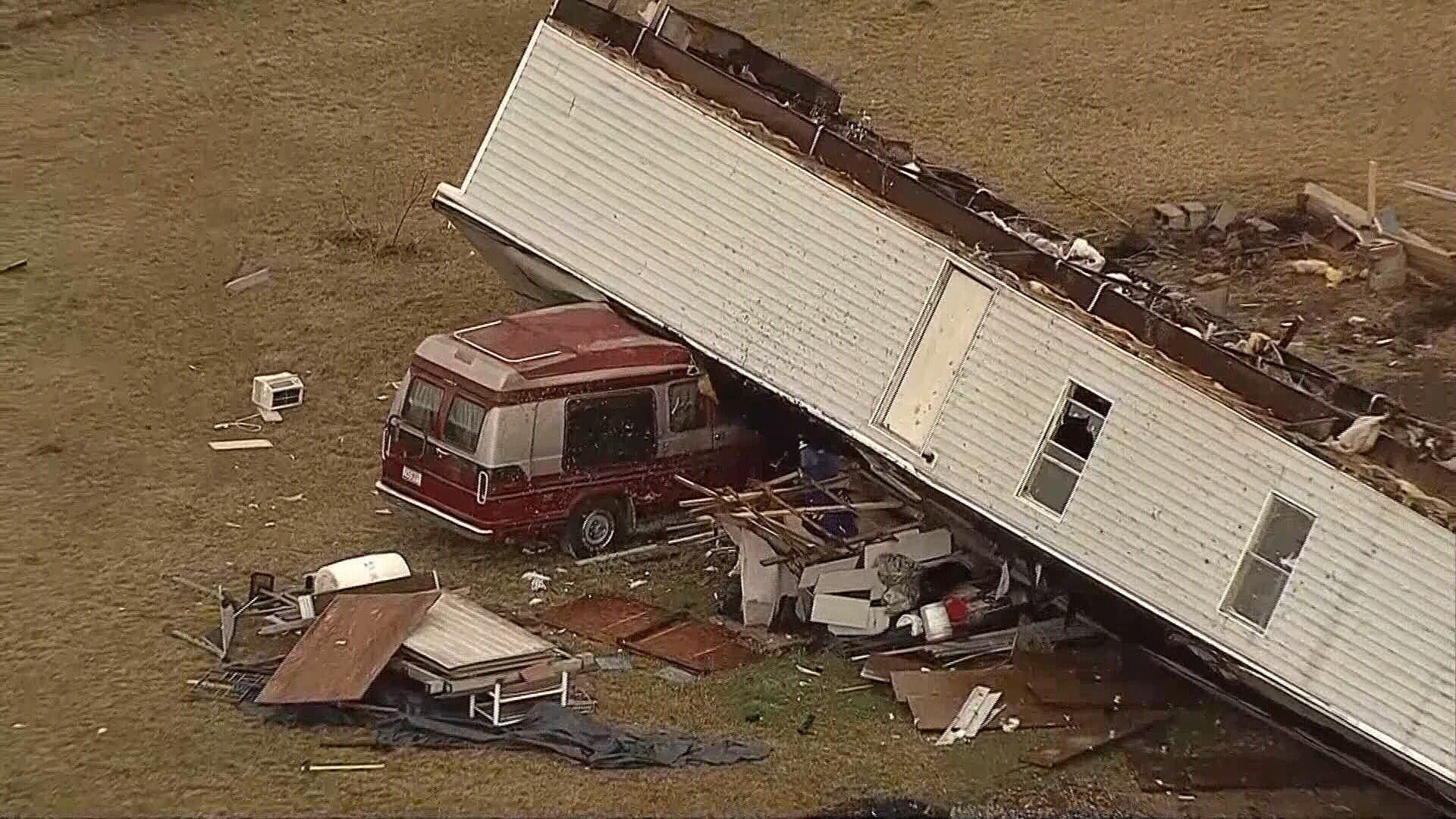 Storms damage homes in DeSoto, Johnson County