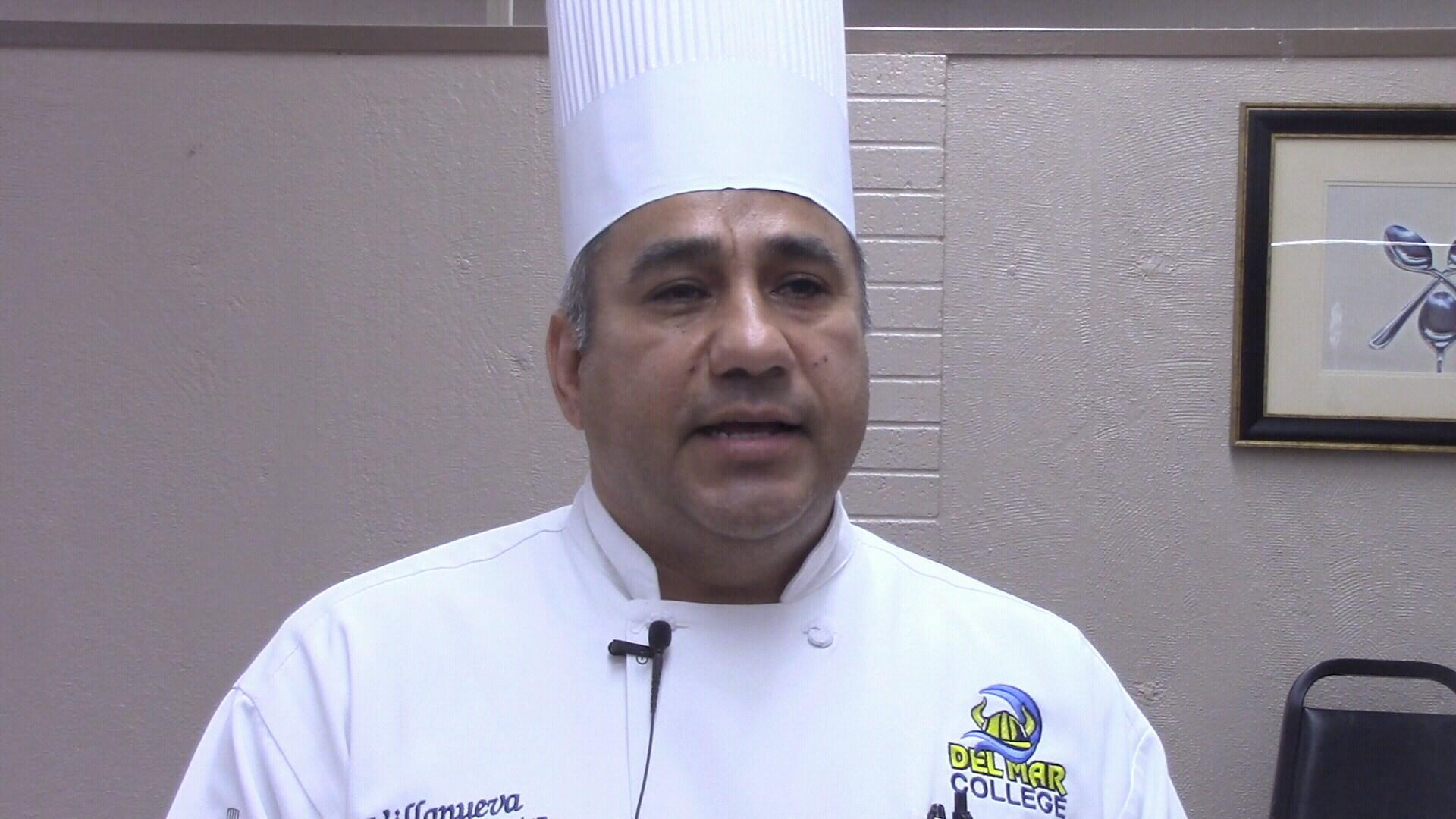 """Chef """"Izzy"""" Villanueva teaches cooking class at Del Mar"""