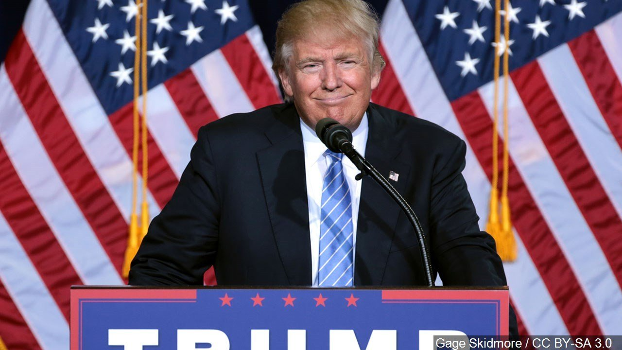Trump supporters chant 'Nobel' for Korea talks at MI rally