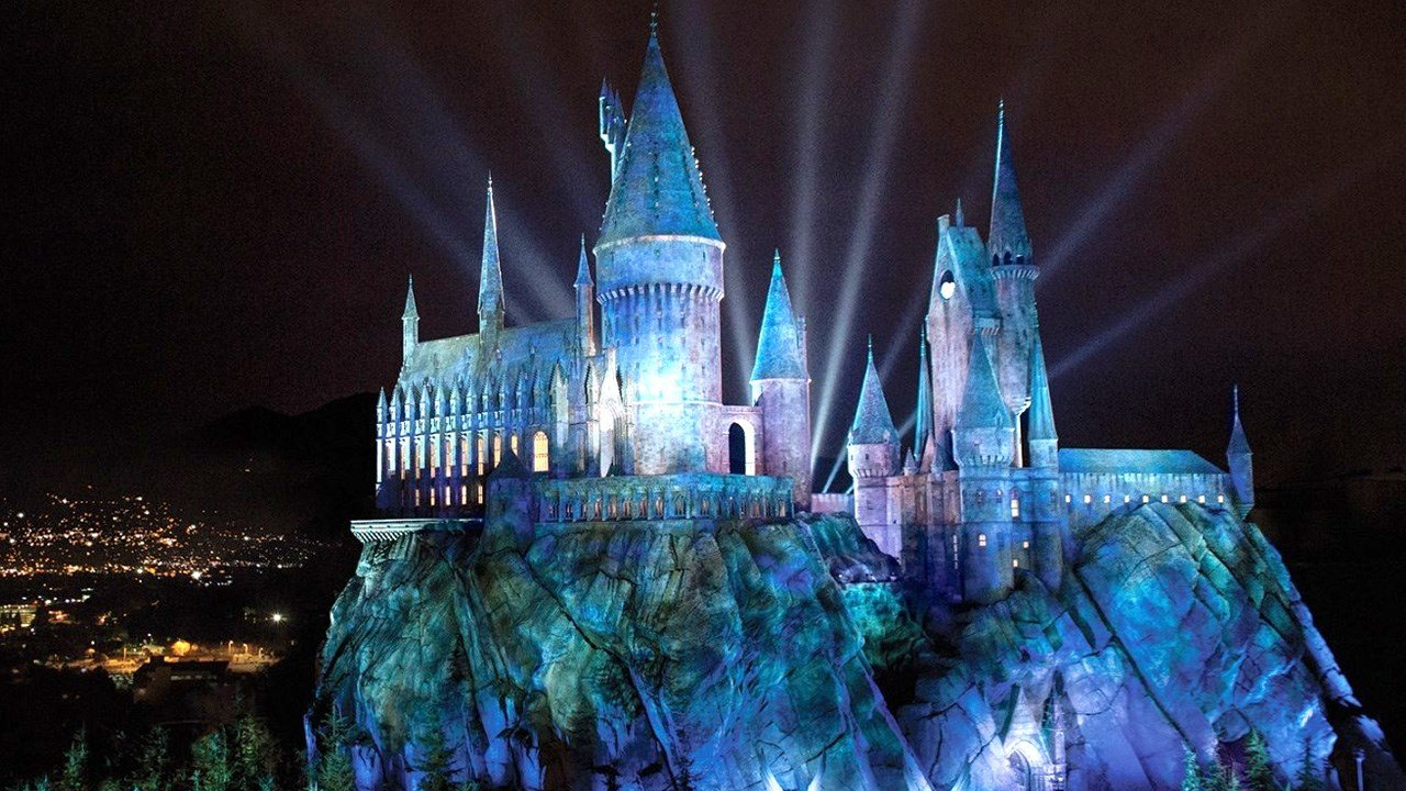 PHOTO: 'Wizarding World' Harry Potter theme park at Universal Studios Hollywood, Photo Date: 12/9/2015 (Photo: Universal Studios Hollywood)