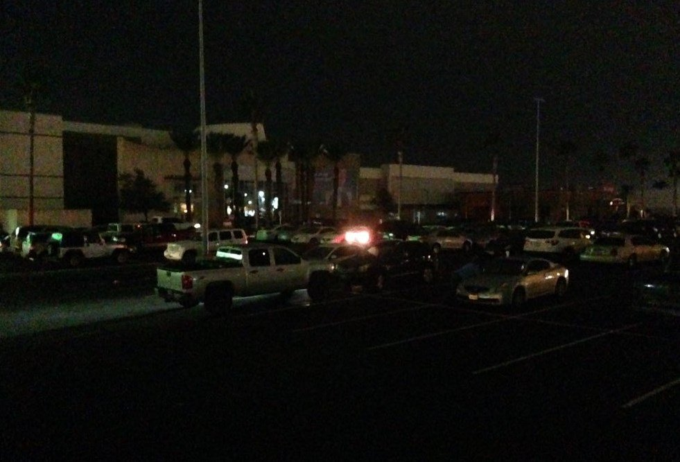 A power outage at La Palmera Mall interrupted holiday shoppers.