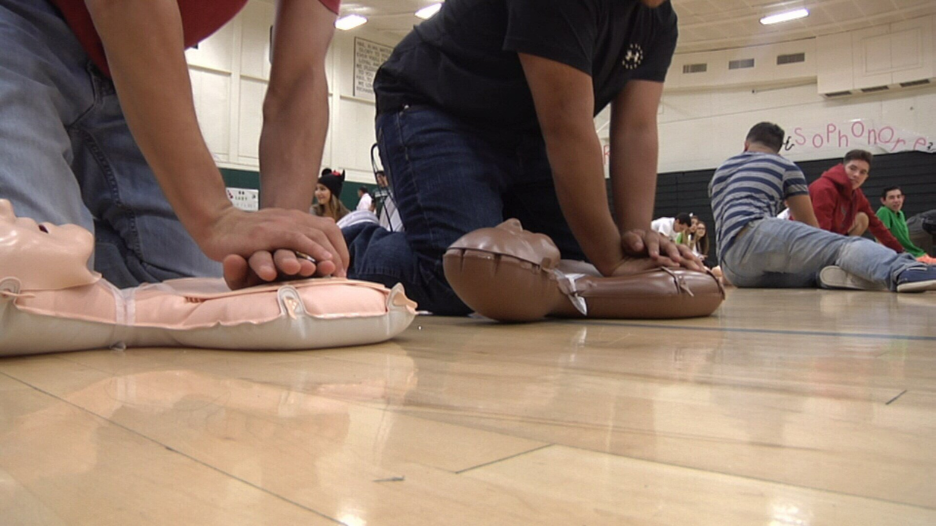 King high school students get cpr training kristv king high school students get cpr training kristv continuous news coverage corpus christi xflitez Gallery