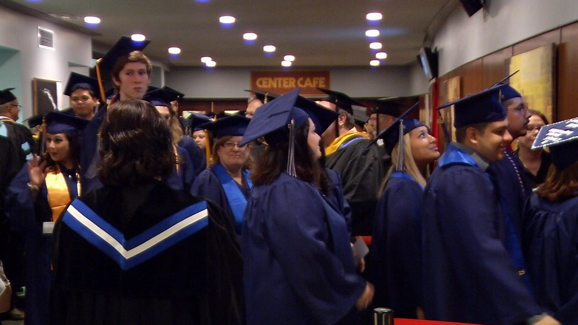 hundreds graduate from del mar college com continuous top videomore>>